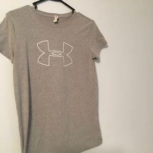 Women under armor grey t shirt loose fit